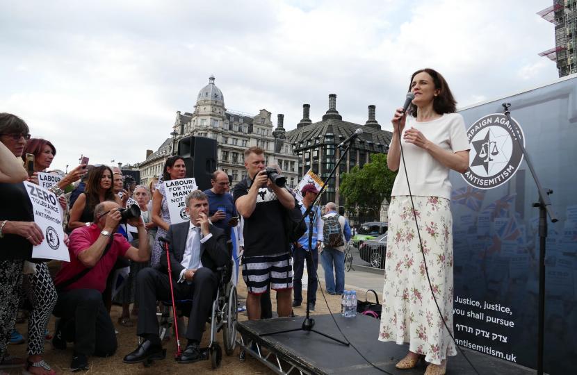 Theresa Villiers speaks at a rally against antisemitism